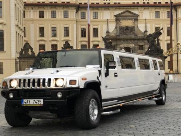 Párty jízda v Hummer limuzíně Praha
