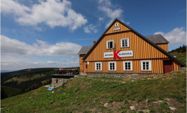 Pobyt v nově zrekonstruované horské chatě uprostřed krkonošské přírody pro 2 osoby s polopenzí