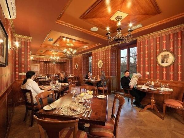 Privátní wellness a degustační menu na zámku Praha