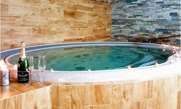 Odpočinek i zábava na Vysočině v hotelu Sněžné s polopenzí, wellness a variantou s dětmi zdarma