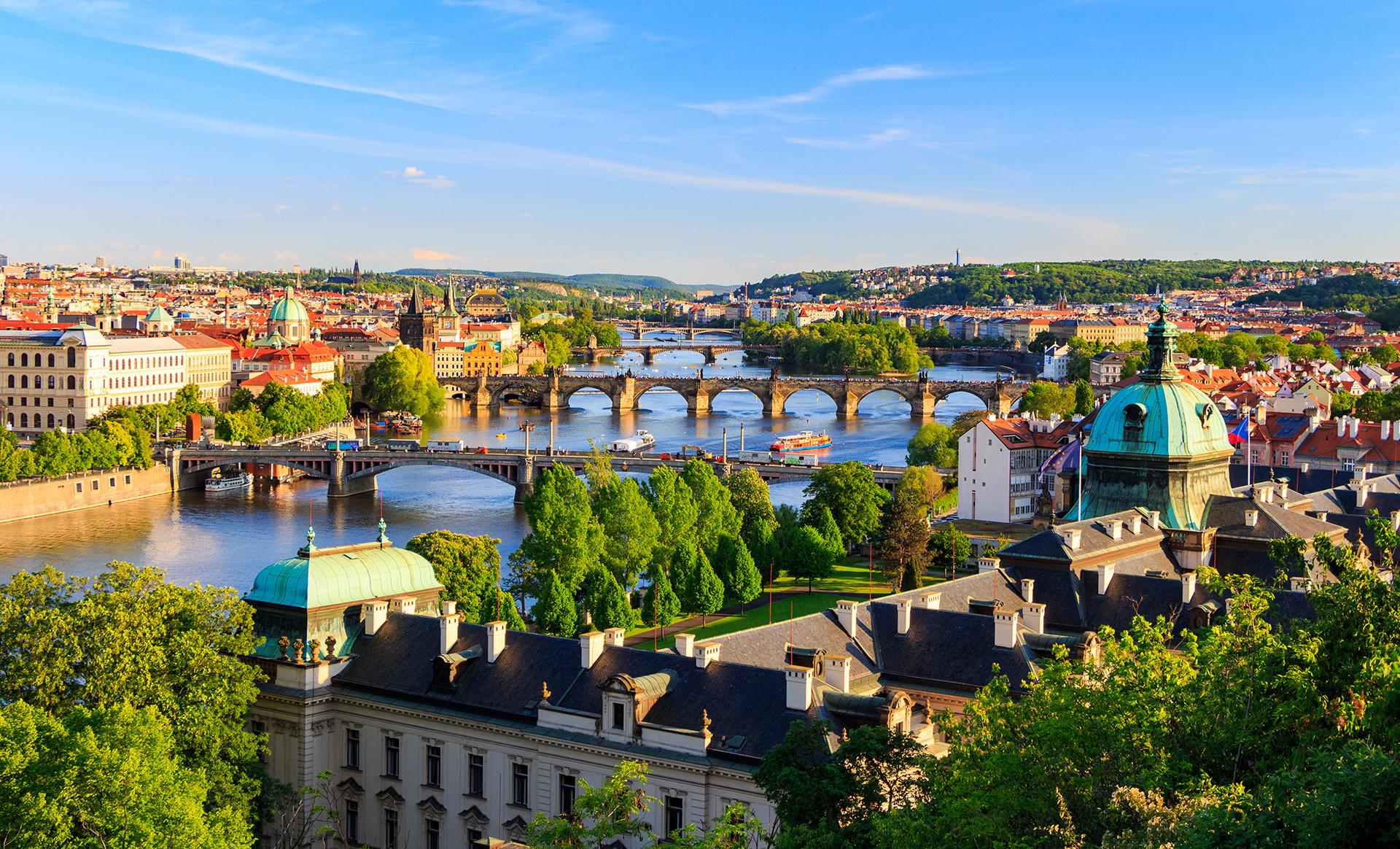 Elegantní Hotel Meda **** přímo v centru Prahy se snídaní a vstupem do Muzea Kampa, Muzea skla, Werichovy vily a dítětem do 6 let s ubytováním zdarma