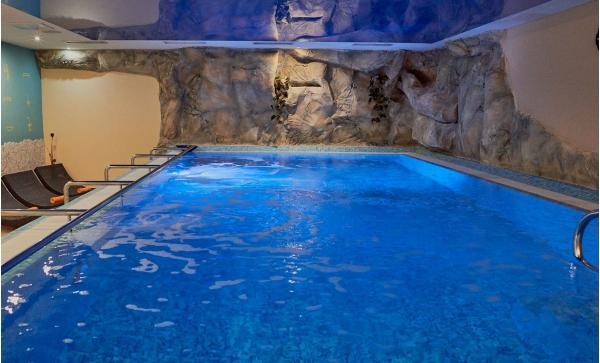 Relax v KurHotelu Brussel **** ve Františkových Lázních s plnou penzí, bazénem, saunou a lázeňskými procedurami