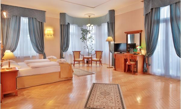 Mariánské Lázně s wellness pobytem v hotelu Belvedere Spa & Wellness****, bohatou polopenzí, neomezeným vstupem do bazénu a výhledem na kolonádu