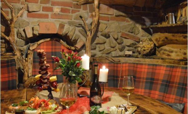 Netradiční romantický pobyt na 1 noc v Pekle Čertovina s polopenzí, vířivkou a zábavným programem pro 2 osoby