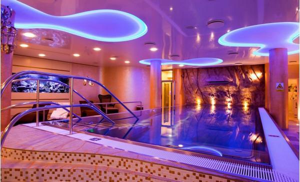 Hotel Ambiente **** v centru Karlových Varů s polopenzí, neomezeným wellness a procedurou dle výběru