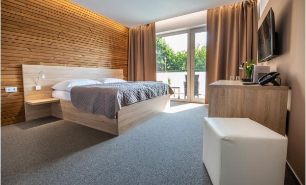 Zbrusu nový hotel ve známých termálech Malé Bielice s gurmánskou polopenzí nebo plnou penzí a neomezeným wellness