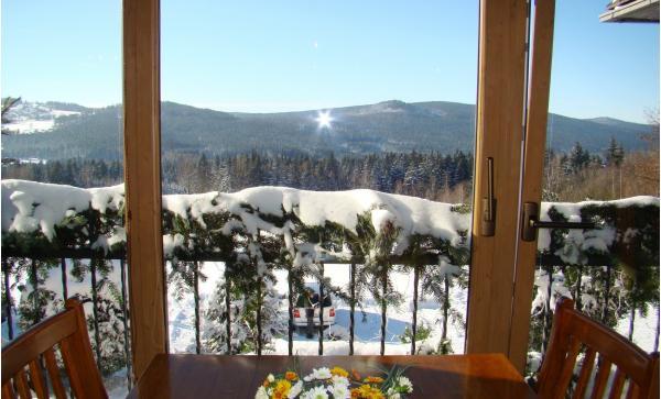 Hotel Podlesí s polopenzí, bazénem, ubytováním v krásném pokoji Lux a vstupem do pohádkové vesničky Podlesíčko