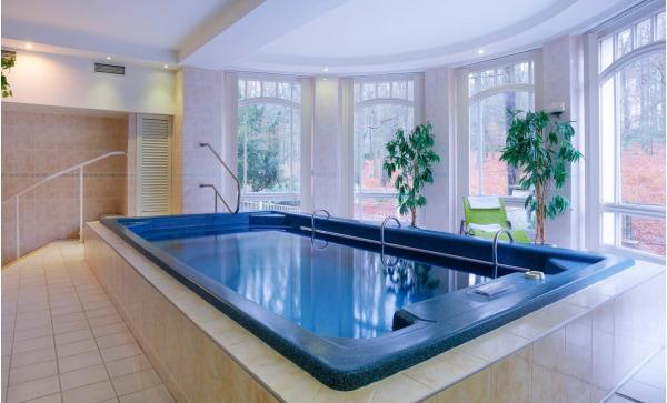 Lázeňská atmosféra v centru Mariánských Lázních s ubytováním v hotelu Westend**** s polopenzí, saunou i procedurami s platností až do listopadu 2020