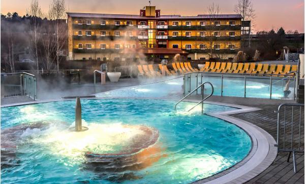 Neomezený wellness pobyt v bazénech s termální léčivou vodou v Thermenhotelu Puchasplus ****