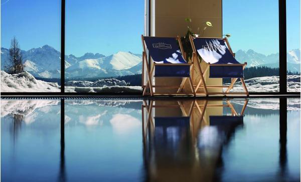 Hotel Zbojnicowcka*** s unikátním výhledem, wellness a možností vstupu do Terma Bukowina