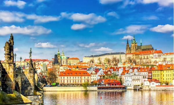 Romantický pobyt v Pensionu Lucie**** v Praze se snídaní a platností až do listopadu 2020