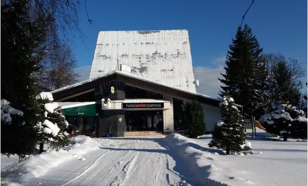 Zimní dovolená v hotelu Junior Piatrová ** s ideální polohou pro lyžování