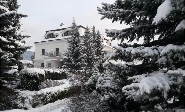 Kouzelná zima v historických prostorách hotelu Villa Nečas ****
