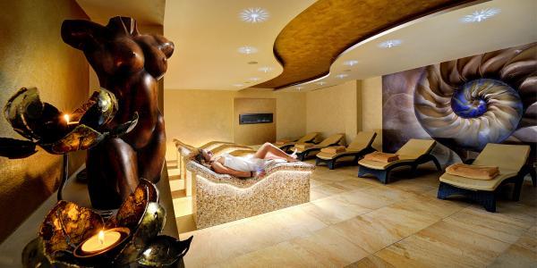 Lyžování s neomezeným wellness v jednom z nejlépe hodnocených hotelů: PARK **** u oblíbeného SKI PARKU Kubínska hoľa