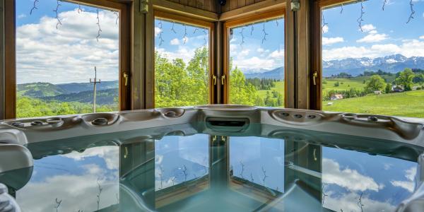 Oblíbený rodinný hotel Redyk *** s polopenzí, SPA a nádherným výhledem na hory