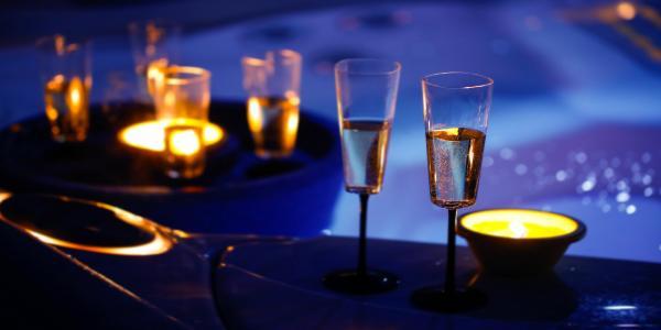 Romantika pro dva na jižní Moravě v hotelu Styria s polopenzí, bazénem a hodinou privátní vířivky