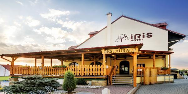 Chráněná krajinná oblast Pálava a relaxační pobyt ve wellness hotelu Iris*** s vybranými procedurami, vířivkou a polopenzí