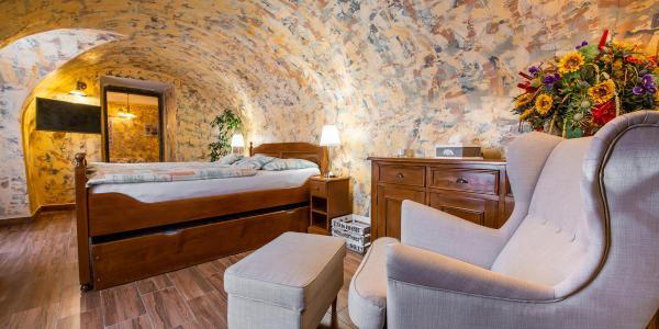 Objevujte odkrytá i tajná místa Banské Štiavnice s ubytováním přímo v srdci města v Penzionu na Trojici