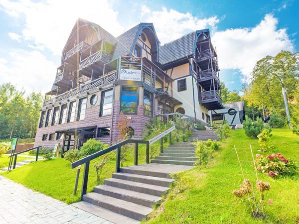 Polsko: Jizerské hory v hotelu s polopenzí, neomezeným wellness + zapůjčení kol i turistických holí