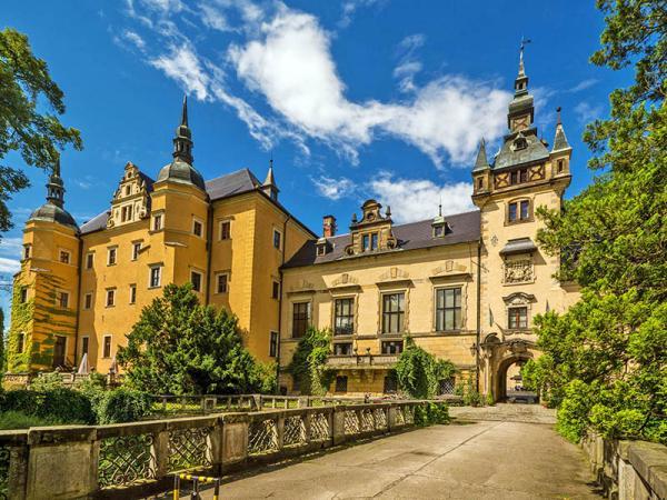 Polsko: 4* hotel na zámku s neomezeným vstupem do wellness a polopenzí