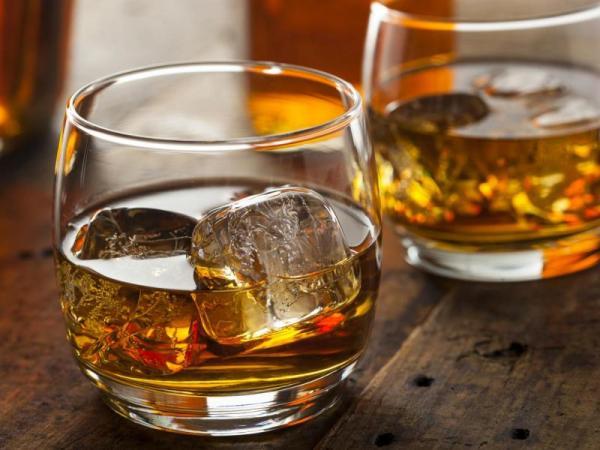 Domácí degustace whisky + 4 vzorky z celého světa Celá ČR
