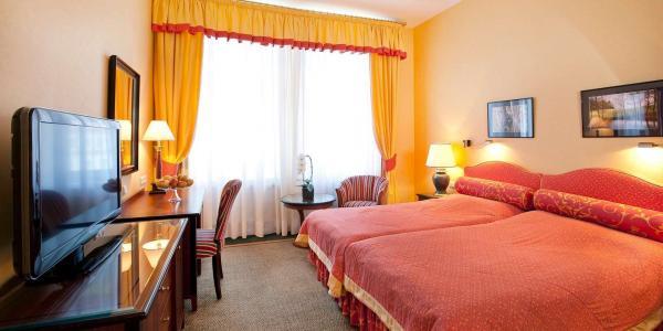 Ozdravný pobyt v hotelu Dvořák Spa & Wellness v Karlových Varech s neomezeným vstupem do wellness, snídaní, lázeňskými procedurami i pitnou kúrou