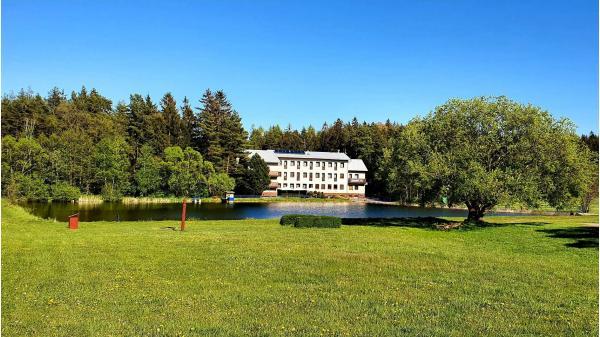 Dovolená se zážitky v Hotel a wellness Renospond se snídaní, procedurami a 2 dětmi do 12 let zdarma v ekologicky nejčistší oblasti České republiky