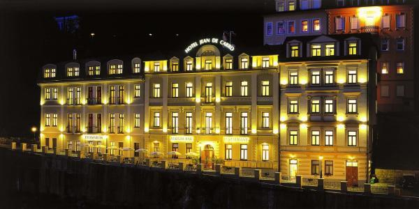 Karlovarské léto v Hotelu Jean de Carro**** přímo na kolonádě s polopenzí, vstupem do thermaria i s masáží