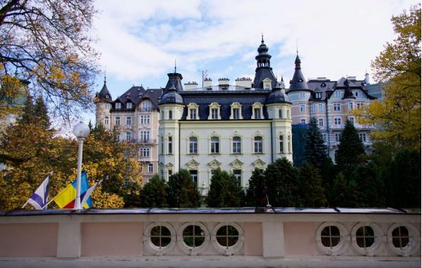 Lázeňský pobyt v překrásných Karlových Varech se snídaní v hotelu Eliška