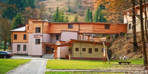 Letní zážitková dovolená ve Wellness Hotel Bozeňov*** uprostřed krásné přírody s polopenzí, privátním wellness a hodinou minigolfu