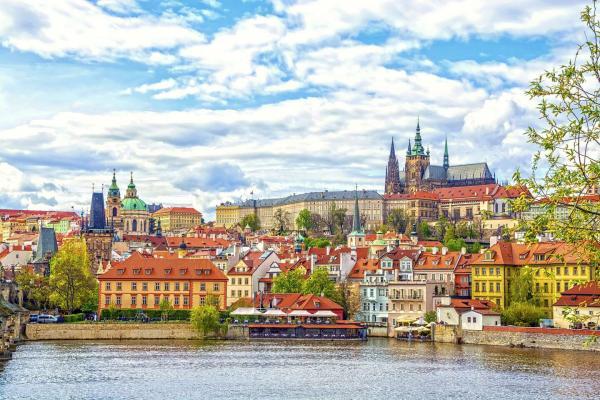 Jedinečný K + K Hotel Central **** v srdci Prahy se snídaní a vstupem do relax zóny