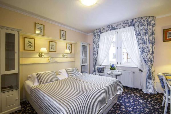 Luxusní Spa &Wellness hotel Karlsbad Grande Madonna**** v srdci Karlových Varů, pouhých 100m od hlavního pramene Vřídla, s polopenzí, wellness a spa procedurami