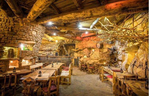 Čertovský pobyt pro čtyři osoby s ubytováním v Penzionu U Jidáše s polopenzí, vířivkou a vstupem do Pohádkové vesničky Podlesíčko s obědem