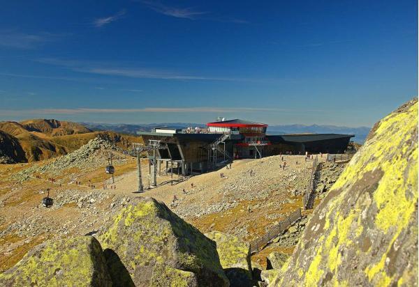 Prožijte léto přímo na vrcholu Chopku v hotelu Rotunda
