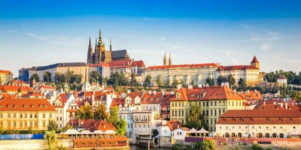 Praha s ubytováním na 2-3 dny v hotelu Golden Golem pro 2 osoby se snídaní a poukazem na večeři