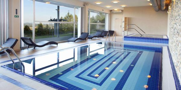 Podzimní dovolená plná aktivit včetně vstupu do bazénu i na lanovku pro páry i rodiny přímo na Monínci