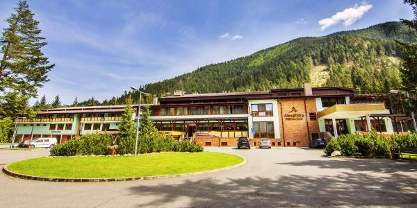 Neomezená wellness dovolená na Liptově v ALEXANDRA WELLNESS HOTEL *** + s polopenzí a procedurami