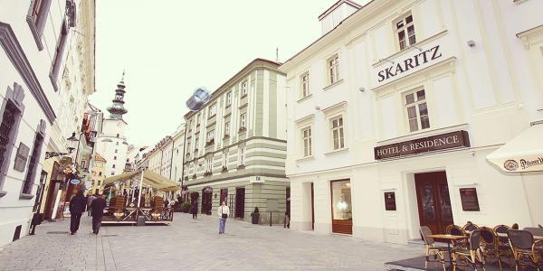 Skaritz Hotel & Residence **** s úžasným interiérem a snídaní, hned u Michalské brány