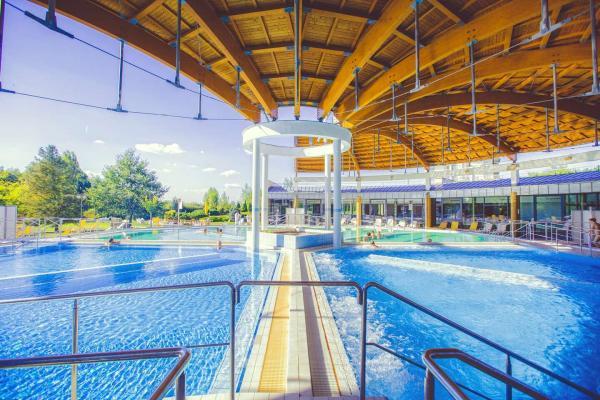 Pobyt u slavných termálů Bükfürdő v penzionu Bajor*** se snídaní, bazénem a privátní saunou