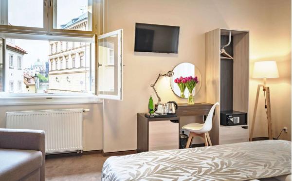Relax v Hotelu Kampa Garden*** s oceněním Czech Hotel Awards 2020 v klidné lokalitě na ostrově Kampa se snídaní a volnými vstupy na pražské památky, muzea a galerie