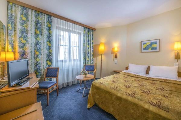 Corvin Hotel Budapest - Sissi Wing *** blízko centra s bohatými bufetovými snídaněmi