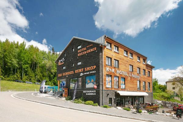 Hotel U Kabinky**** přímo u lanovky na Černou horu s polopenzí, vstupem na Stezku korunami stromů i do aquacentra