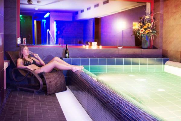 Až 8 dní dokonalého odpočinku v hotelu Slunný Dvůr v Jeseníkách s wellness, polopenzí, krásným výhledem a platností do ledna 2021