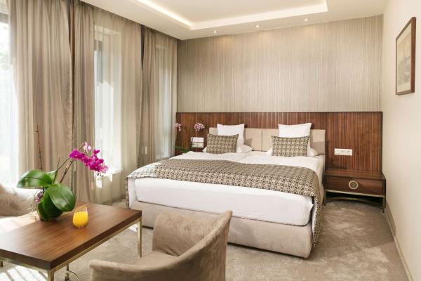 Stylový Hotel Kalvaria**** Superior poblíž historického centra Győr s neomezeným vstupem do lázní Magnolia, stravou, dítětem do 6 let zdarma a platností do března 2021