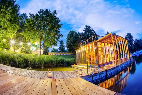 Netradiční romantický pobyt na břehu řeky Orlice v Altánu Sasanka s plnou lednicí, vstupem do finské sauny a platností do dubna 2021