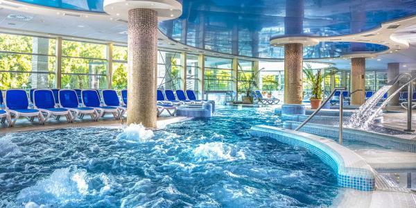 Termální lázně a wellness v Hotelu Visegrad Superior **** s polopenzí a volným vstupem do bazénů
