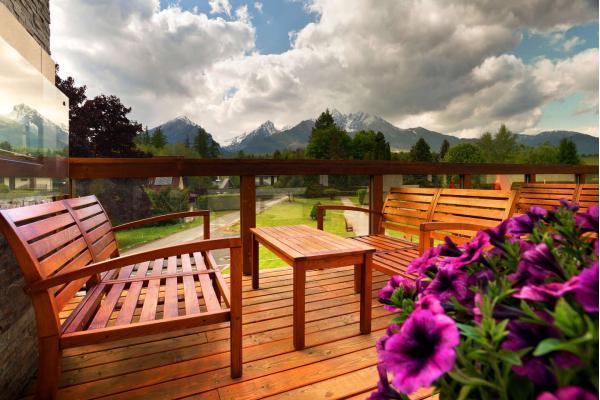 Hotel Lesana *** a Tatry s výhledem na Lomnický štít, wellness, polopenzí a vstupem do Kinderlandu