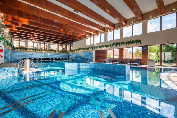Wellness Hotel Diplomat **** v Rajeckých Teplicích s wellness a bazénem i během víkendu