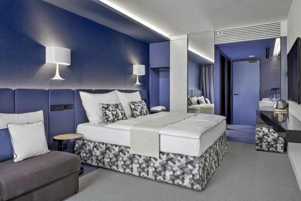Luxusní hotel Urban Creme v centru Prahy až na 9 dní se snídaní a možností pobytu v adventním čase či během Silvestra