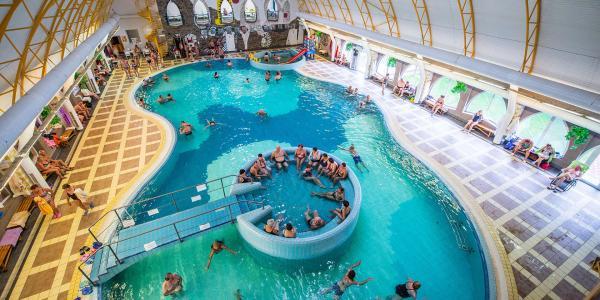Relax ve Velkém Mederu jen kousek od termálního koupaliště Thermal Corvinus v penzionu Nostalgia